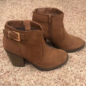 Shoes - Size 6 Ankle Boot